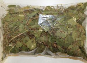 Высушенные листья и цветки боровой матки